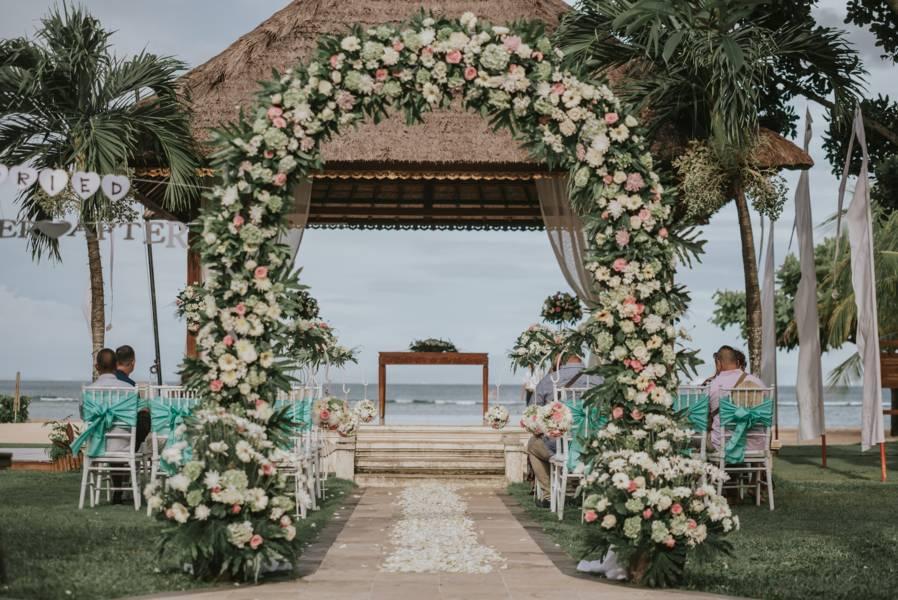 Beach wedding - Wedding Planner Bali (1)
