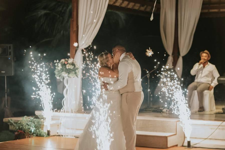 Beach wedding - Wedding Planner Bali (5)